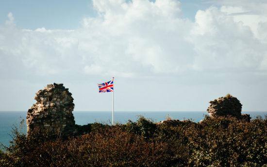 Hastings Castle und der Union Jack